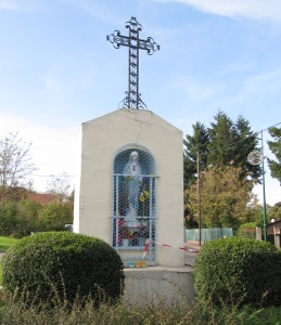 Croix située sur le quartier du Mas de la Raz