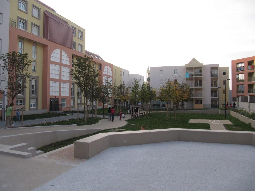 Place des Portiques